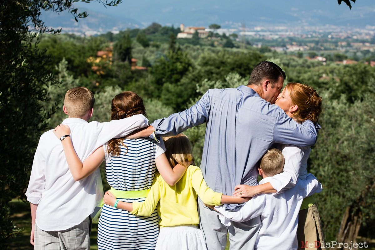 medisproject_family_portrait_in_tuscany_005