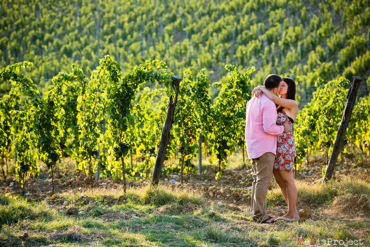 best family portrait photographers in tuscany, vineyards