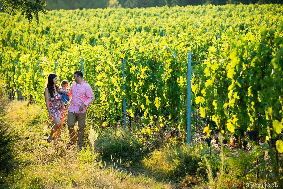 best family portrait photographers in tuscany, vineyards