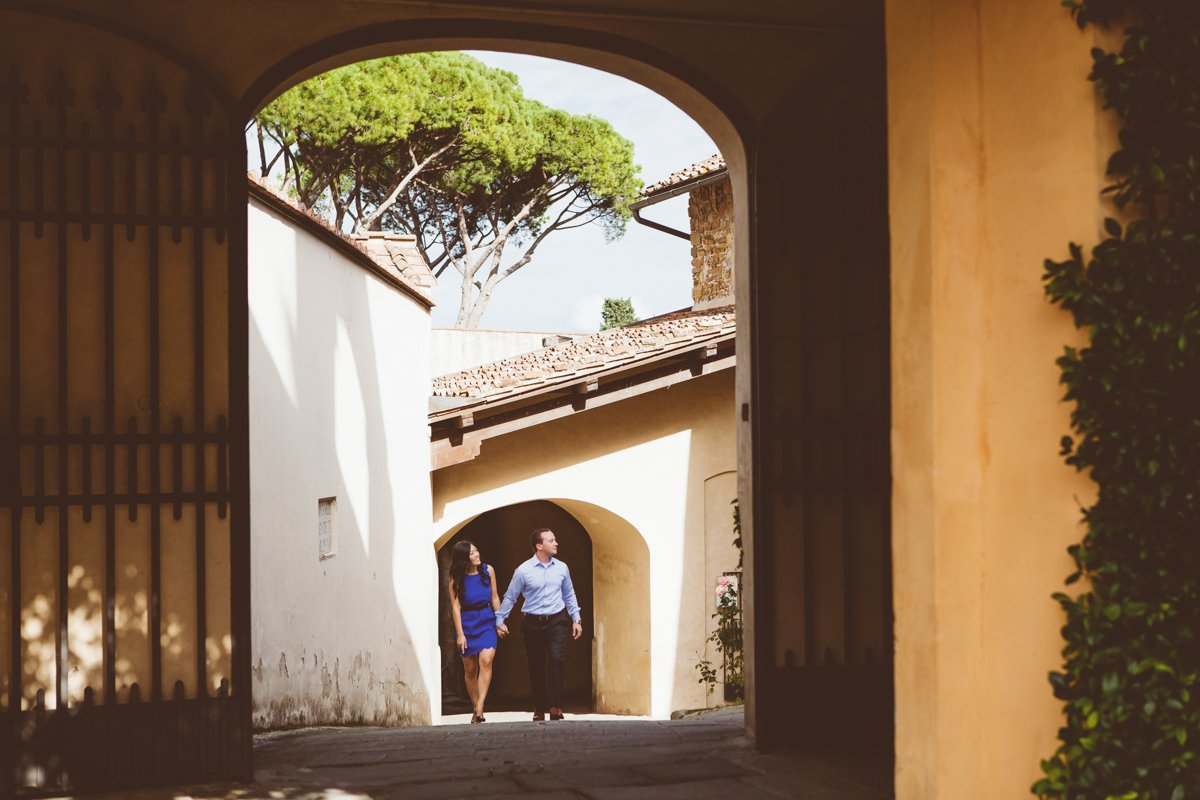 engagement photographers in Florence, Italy