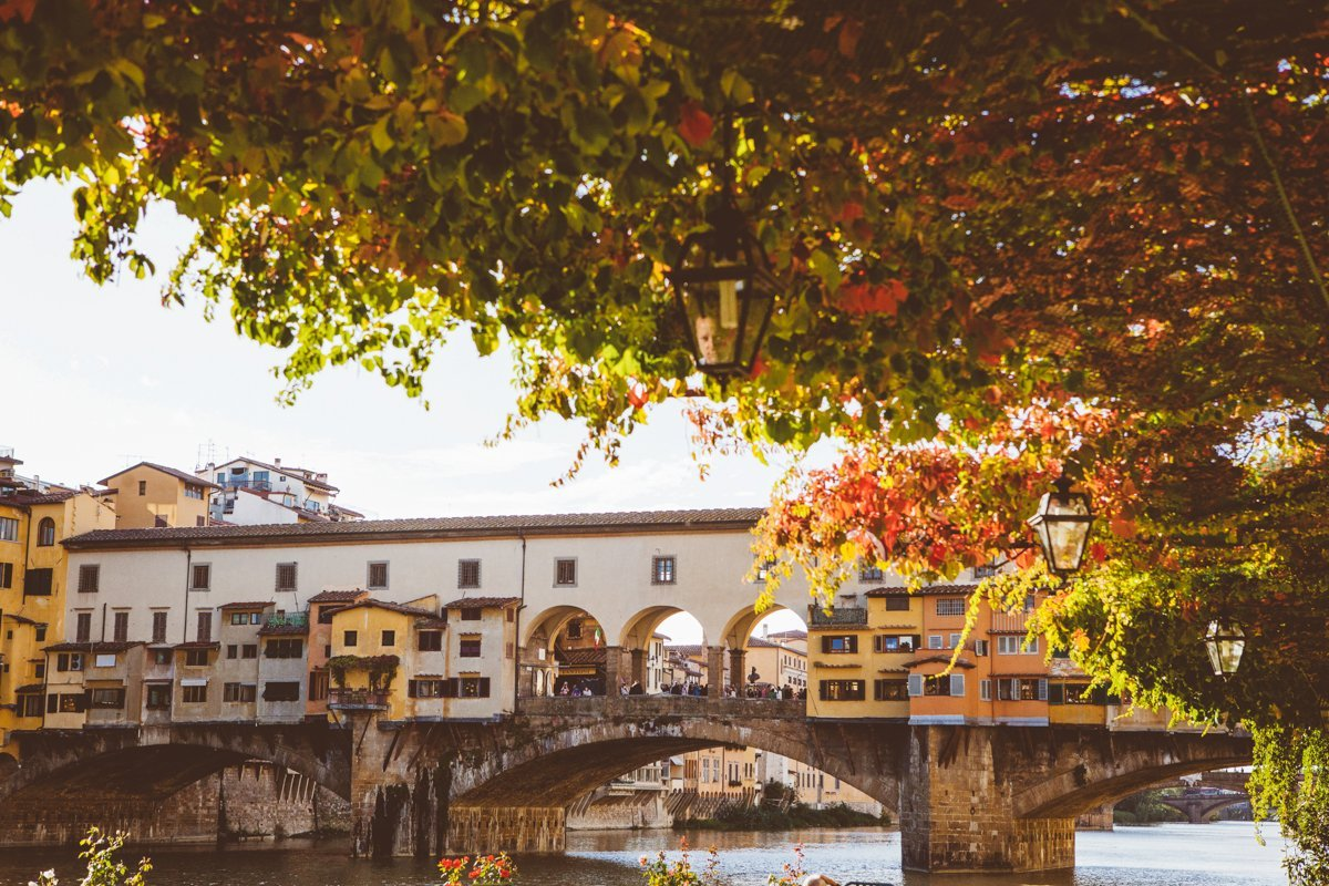 Autumn couple photo session in Florence Italy