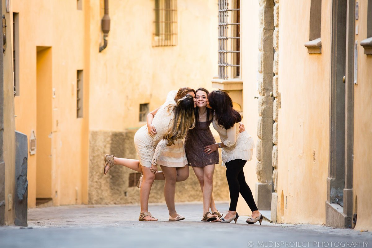 modern family photos in Florence Italy