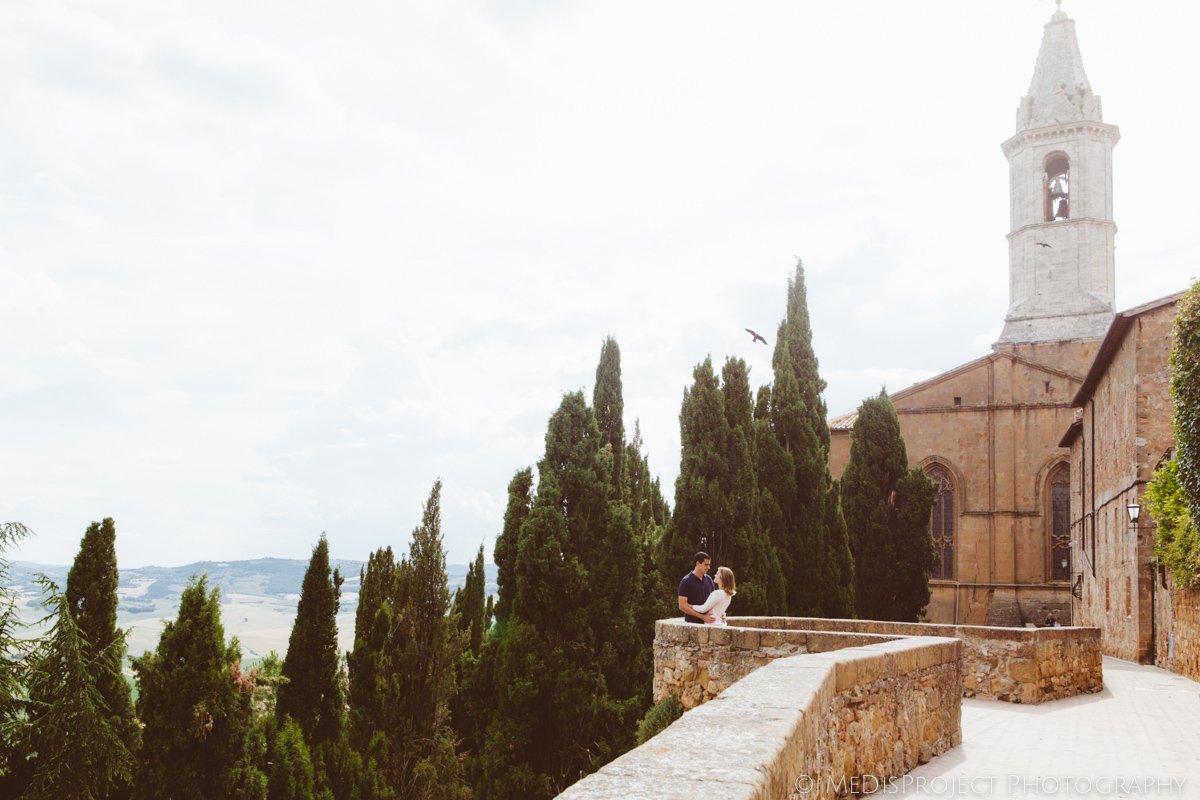 a couple in Pienza
