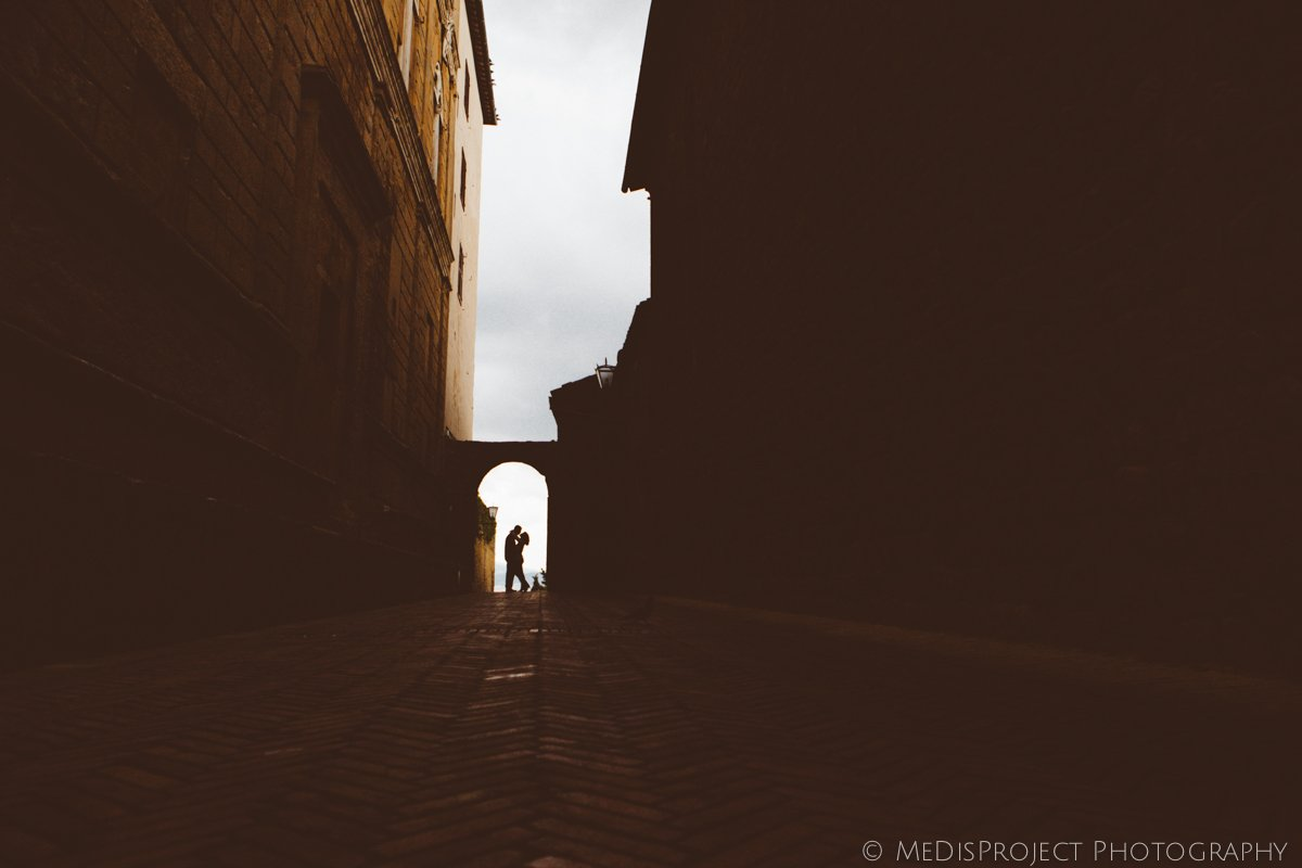 Love story photographers in Pienza Tuscany