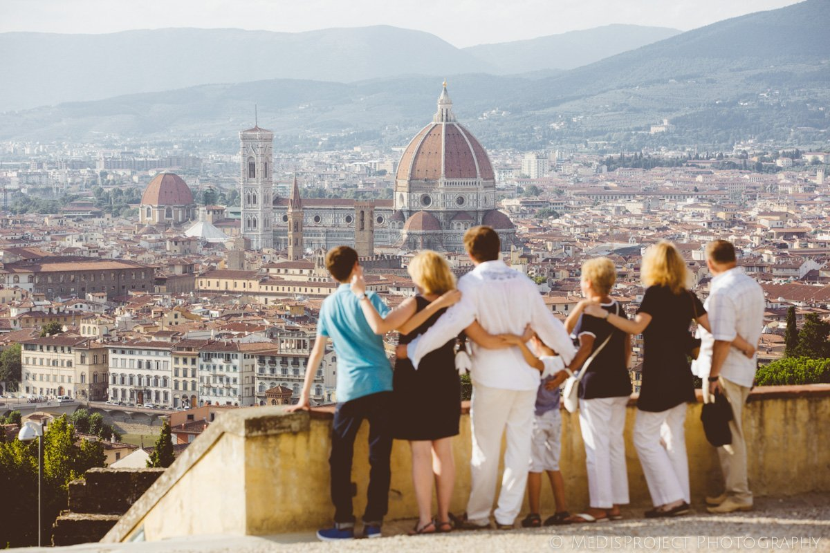 Family reunion photographers in Florence
