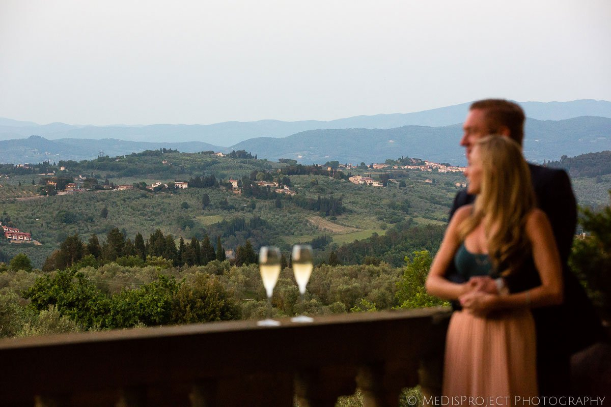 a glass of prosecco with a romantic view in villa mangiacane