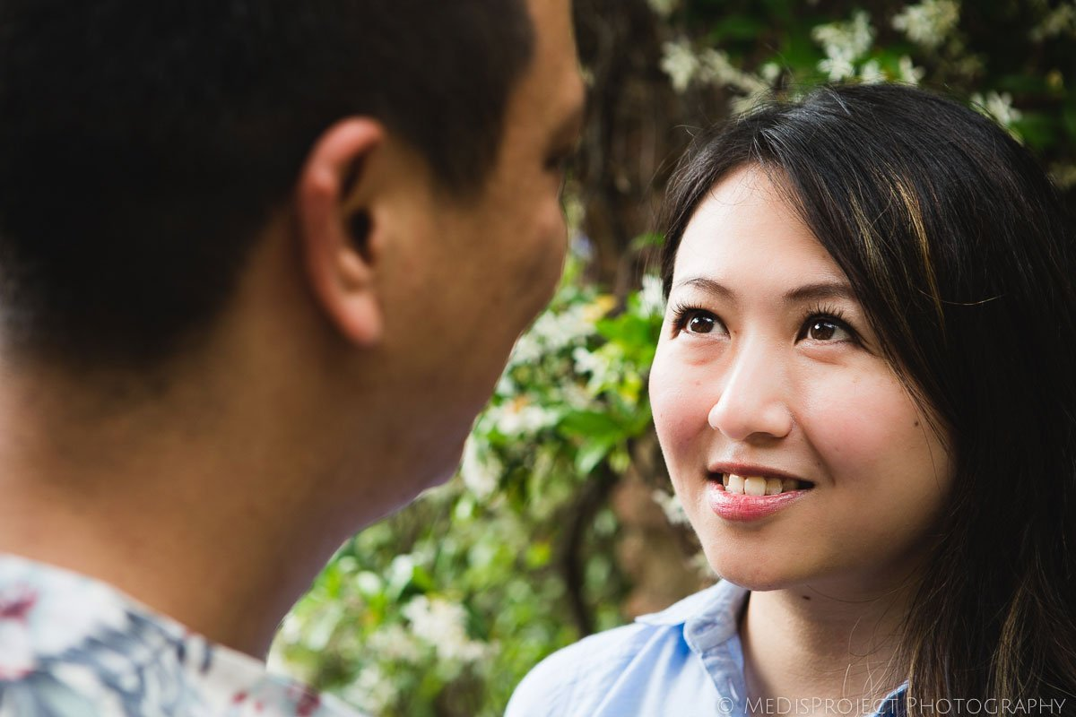 Chinese couple surrounded by ivy in Hotel Lupaia