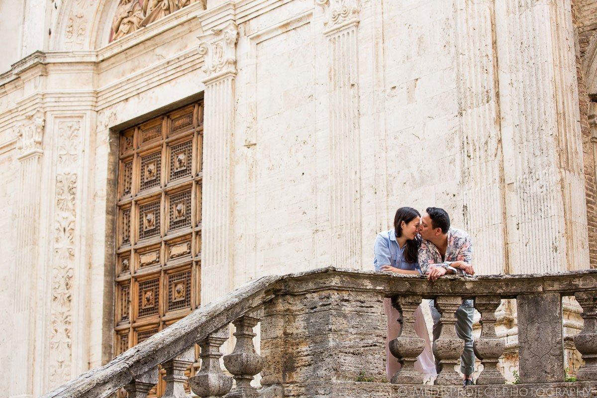 29_love_story_photographers_in_Montepulciano