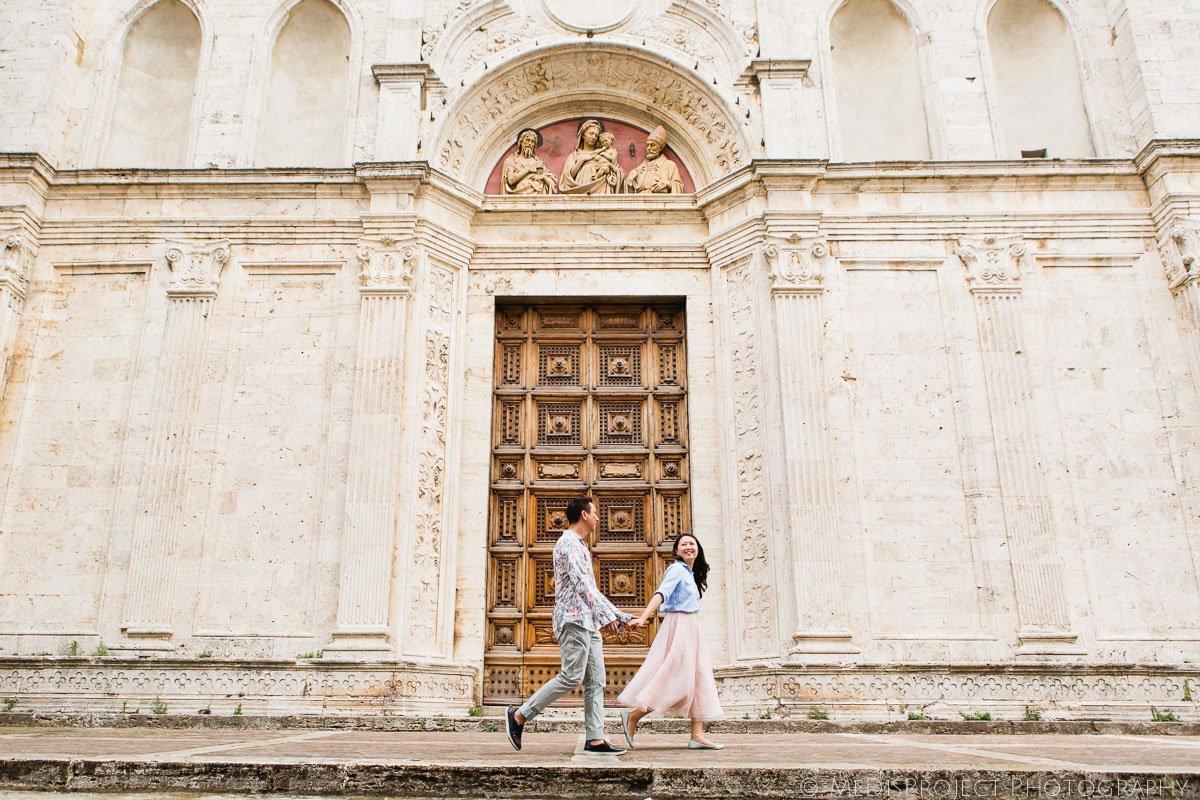 31_love_story_photographers_in_Montepulciano
