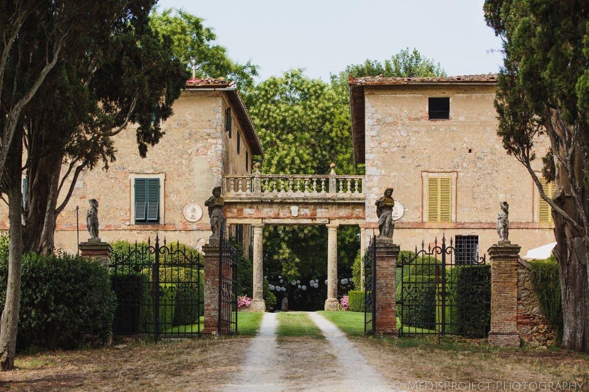 Borgo Stomennano entrance