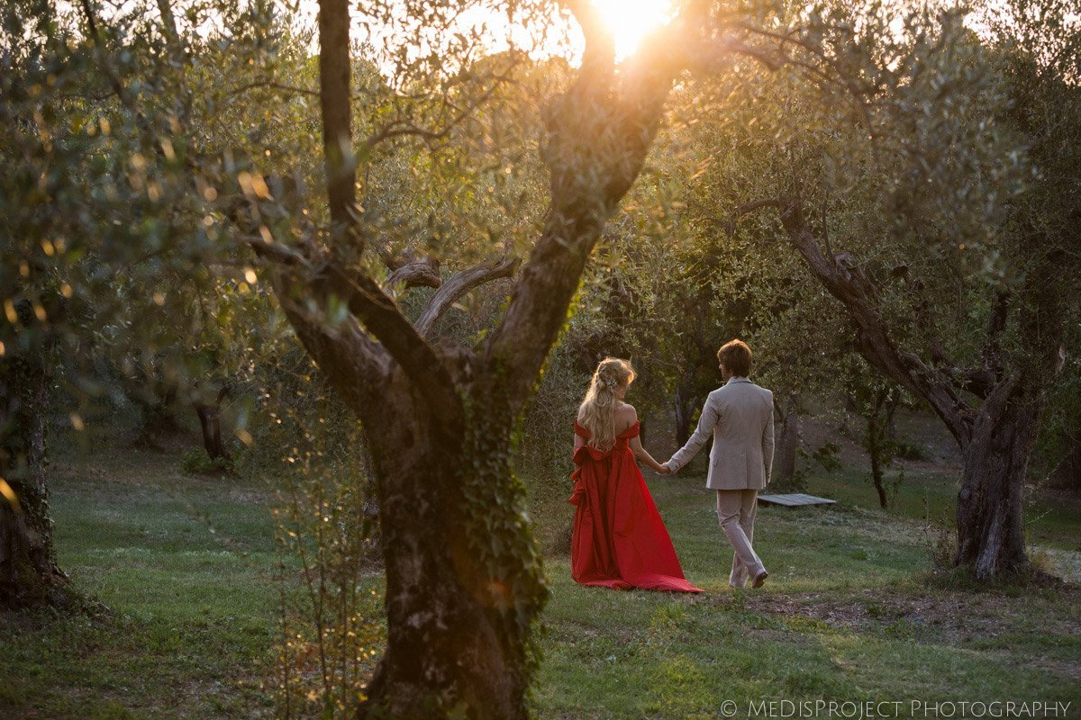 Alternative wedding in Tuscany