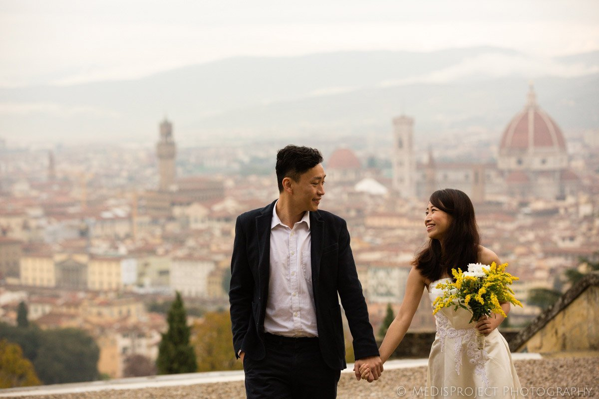 Autumn elopement photographers in Florence