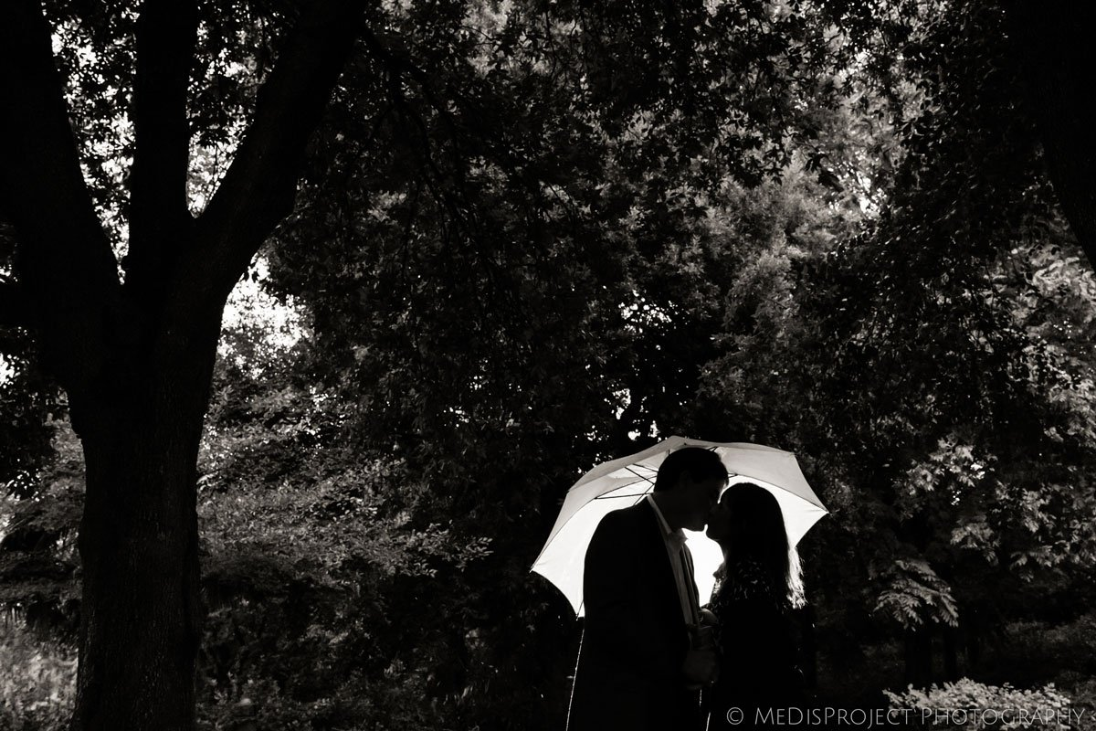 couple photo session during a rainy day in Florence