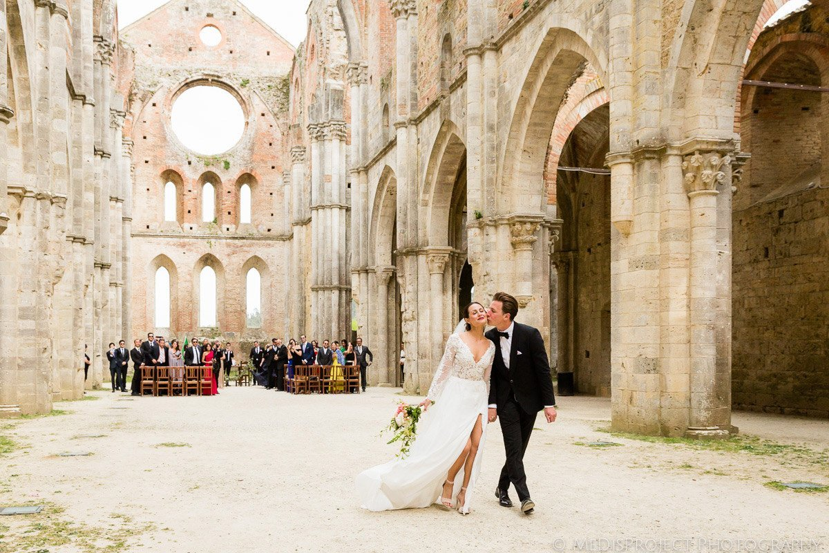 San Galgano Countryside wedding in Tuscany