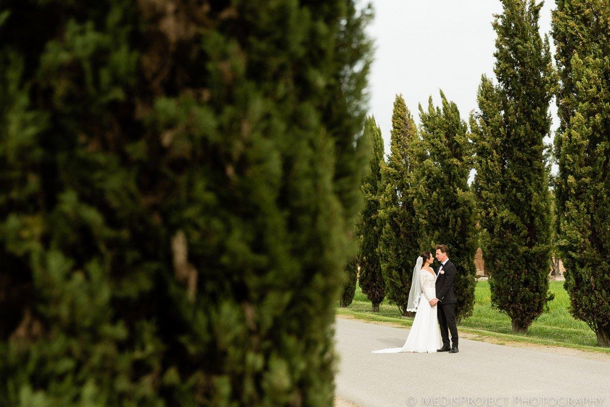 Bride and Groom shooting in San Galgano, Tuscany