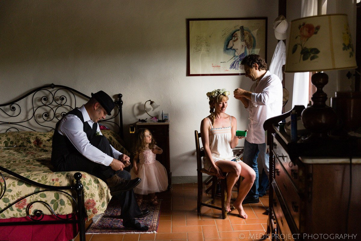 getting ready for a countryside wedding at Villa Campestri Olive oil resort