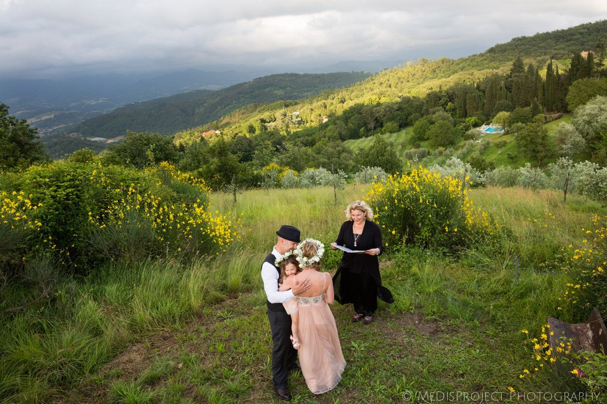 Intimate countryside elopement photo session