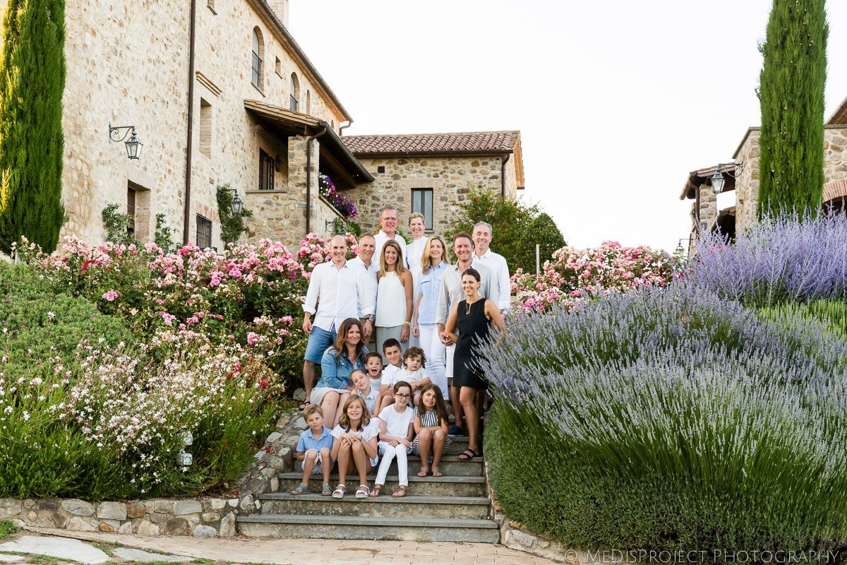 01_big-family-reunion-in-tuscany