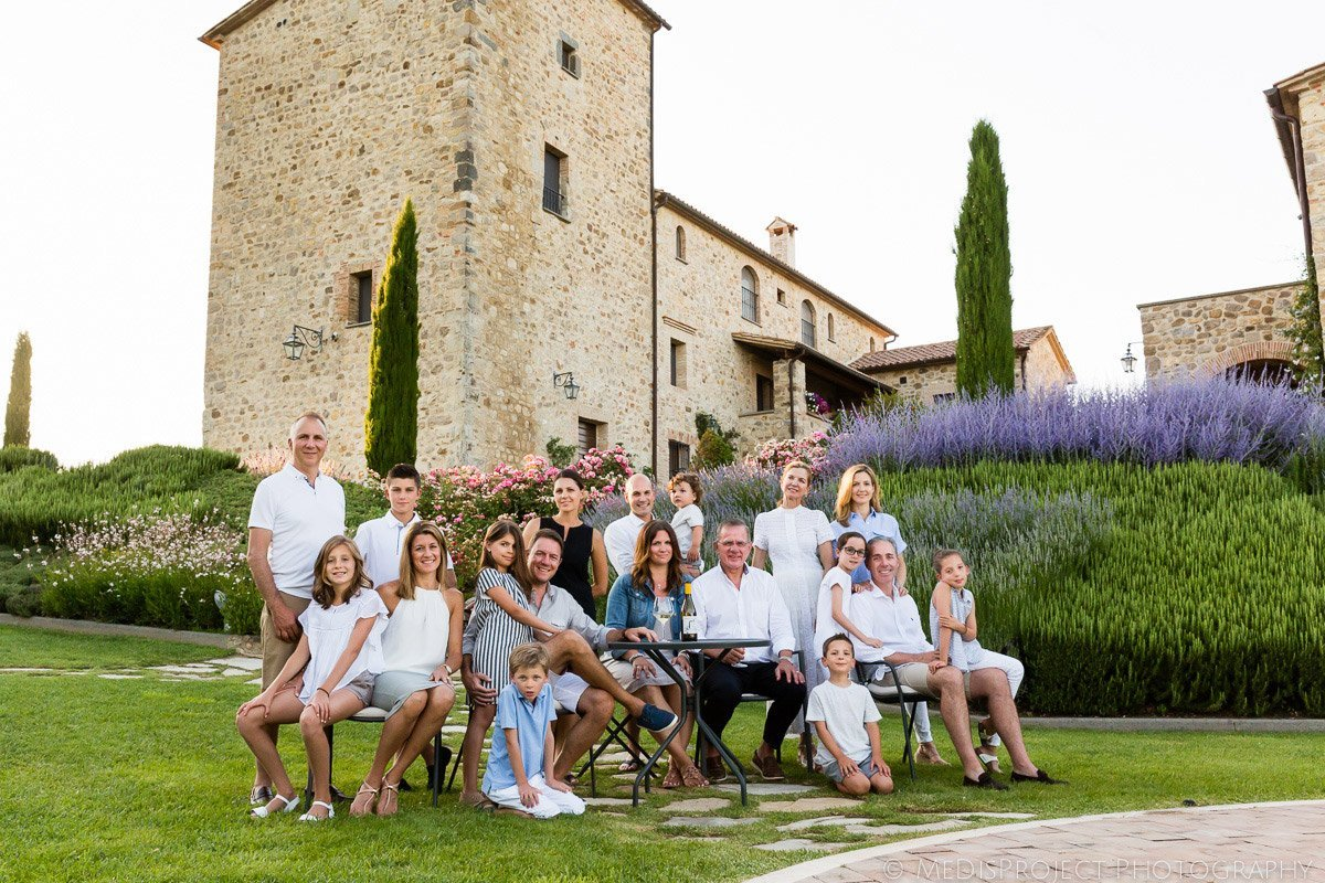 21_big-family-reunion-in-tuscany