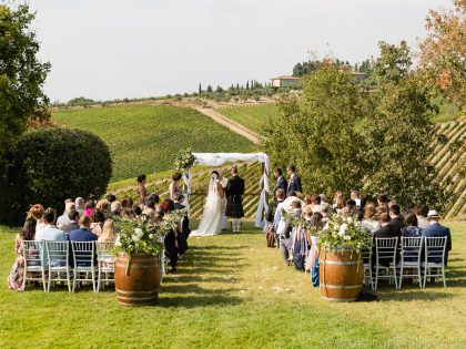 Country chic winery wedding | getting married at Fonte de' Medici