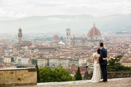 Honeymoon in Tuscany | Romantic photos in Florence and Certaldo Alto