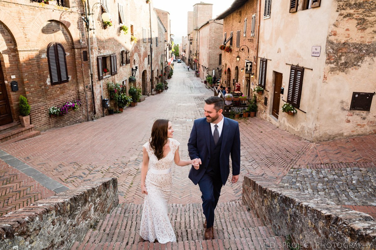 Wedding photographers in Certaldo Alto Tuscany