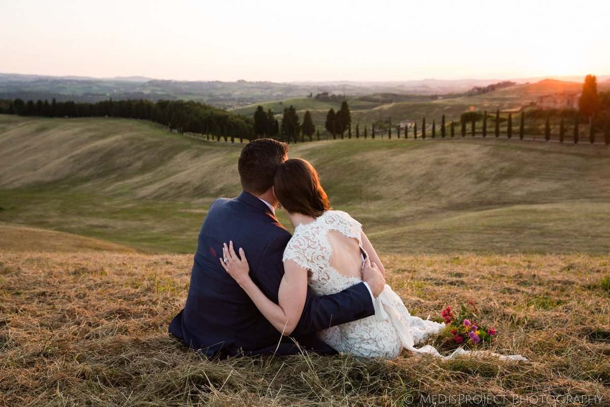 Honeymoon photo session in Tuscany