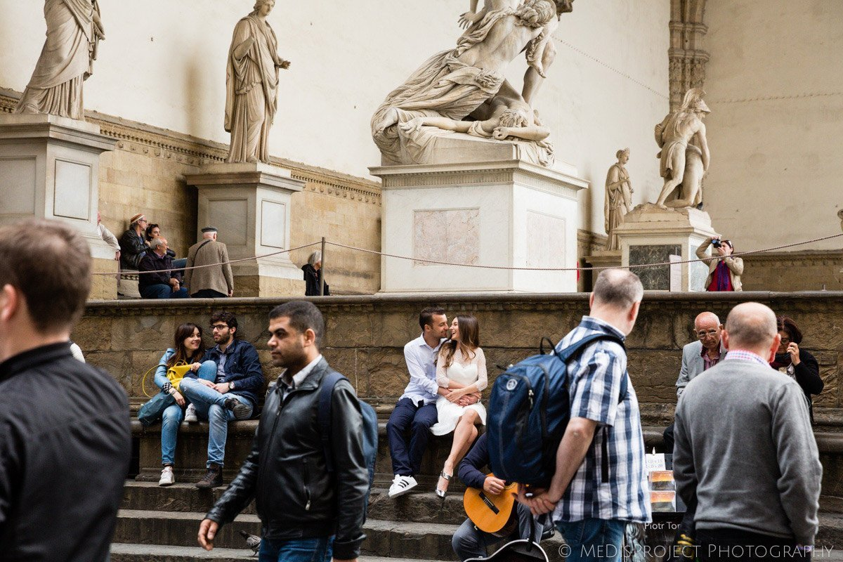Romantic serenade surrounded by the art and history of Florence