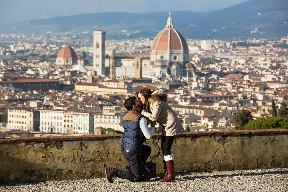 Romantic marriage proposal in Florence Tuscany