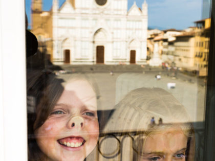 Taking photos for another photographer | Family portrait session in Florence