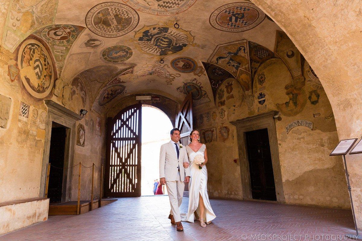 Romantic Elopement photographers in Certaldo