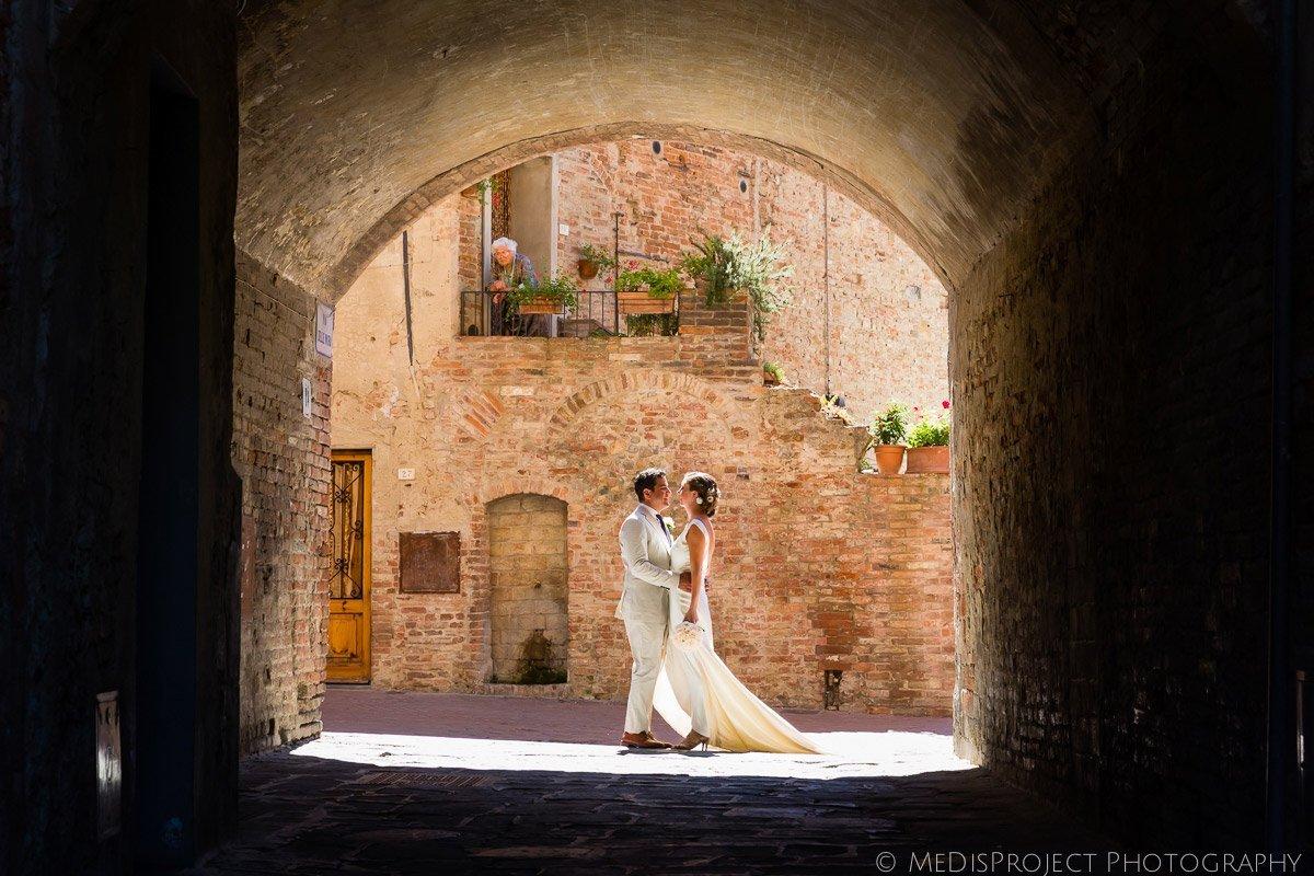 Romantic Elopement shooting in Certaldo Alto