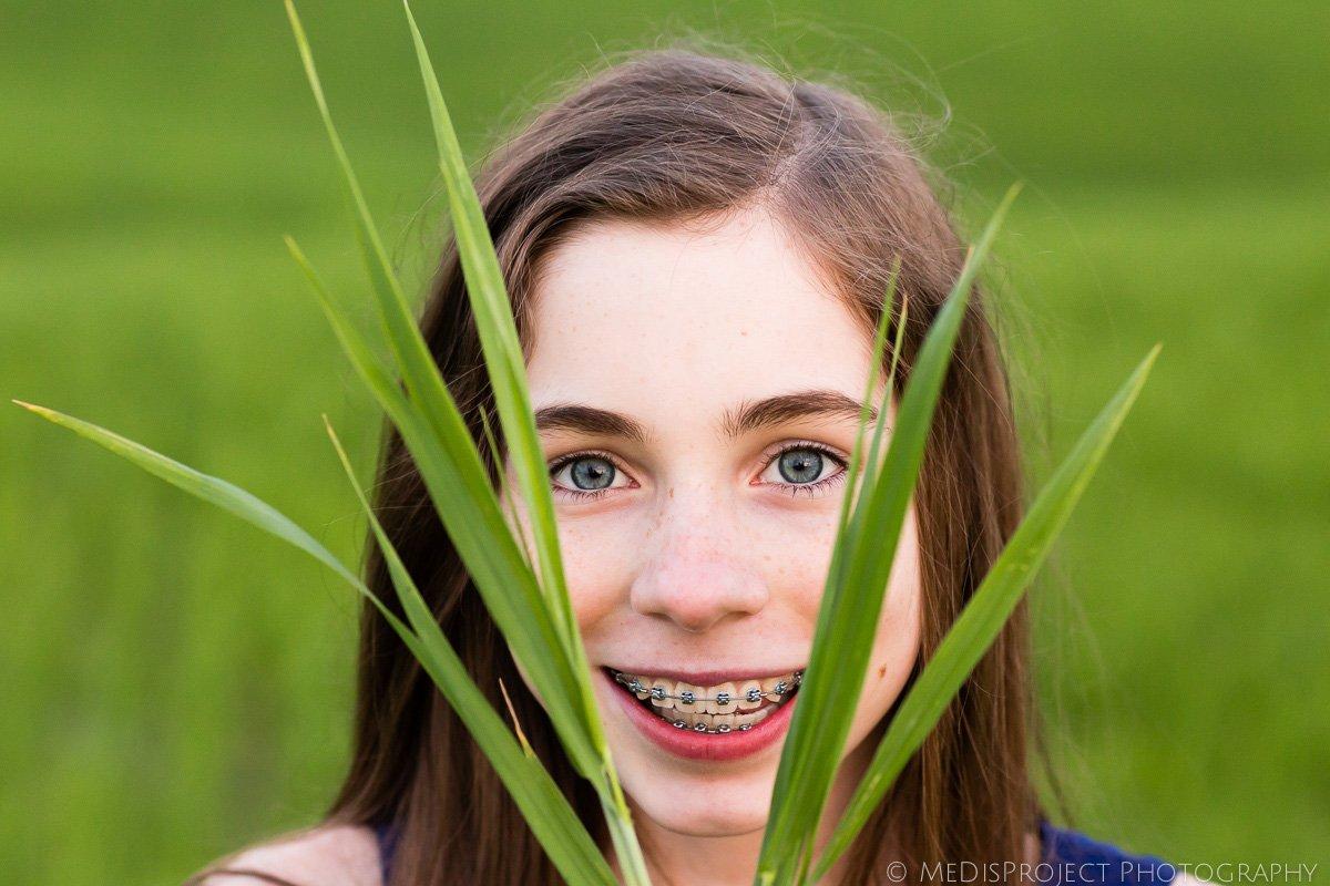 girl's blue eyes