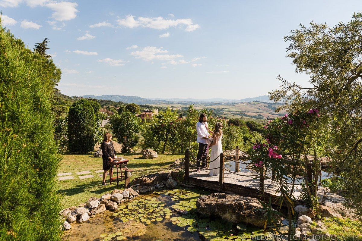 Secret elopement in Tuscany