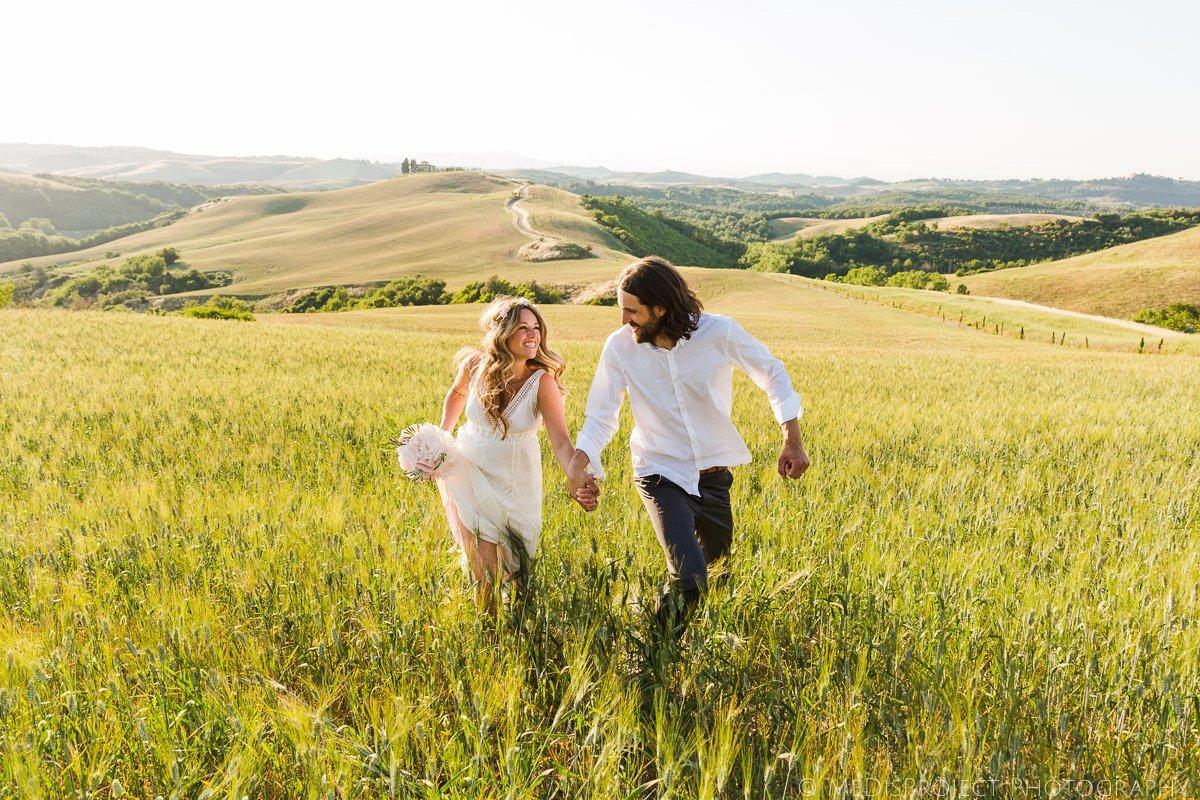 Secret boho style elopement in Tuscany
