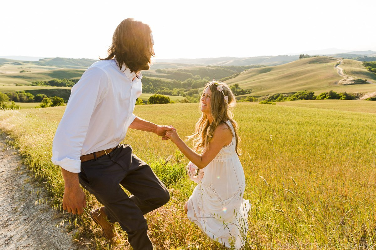 Bohemian couple eloping in Tuscany
