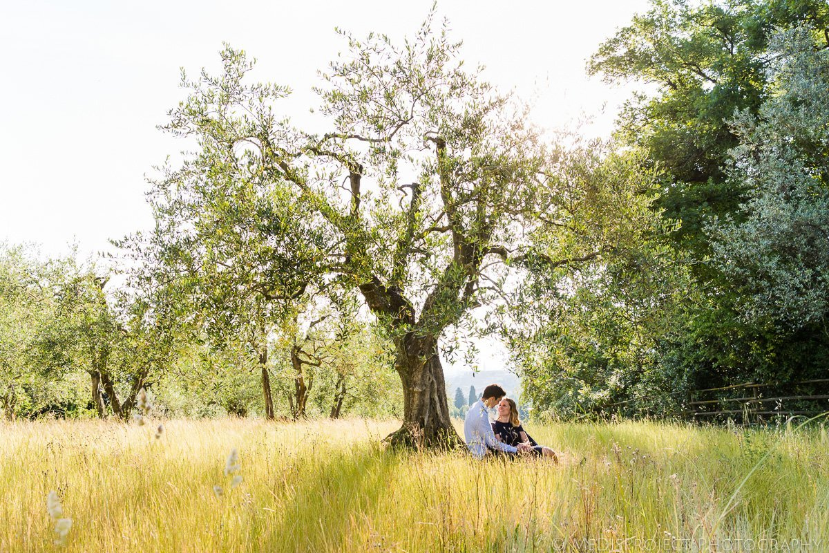 romantic time under the olive tree in Florence