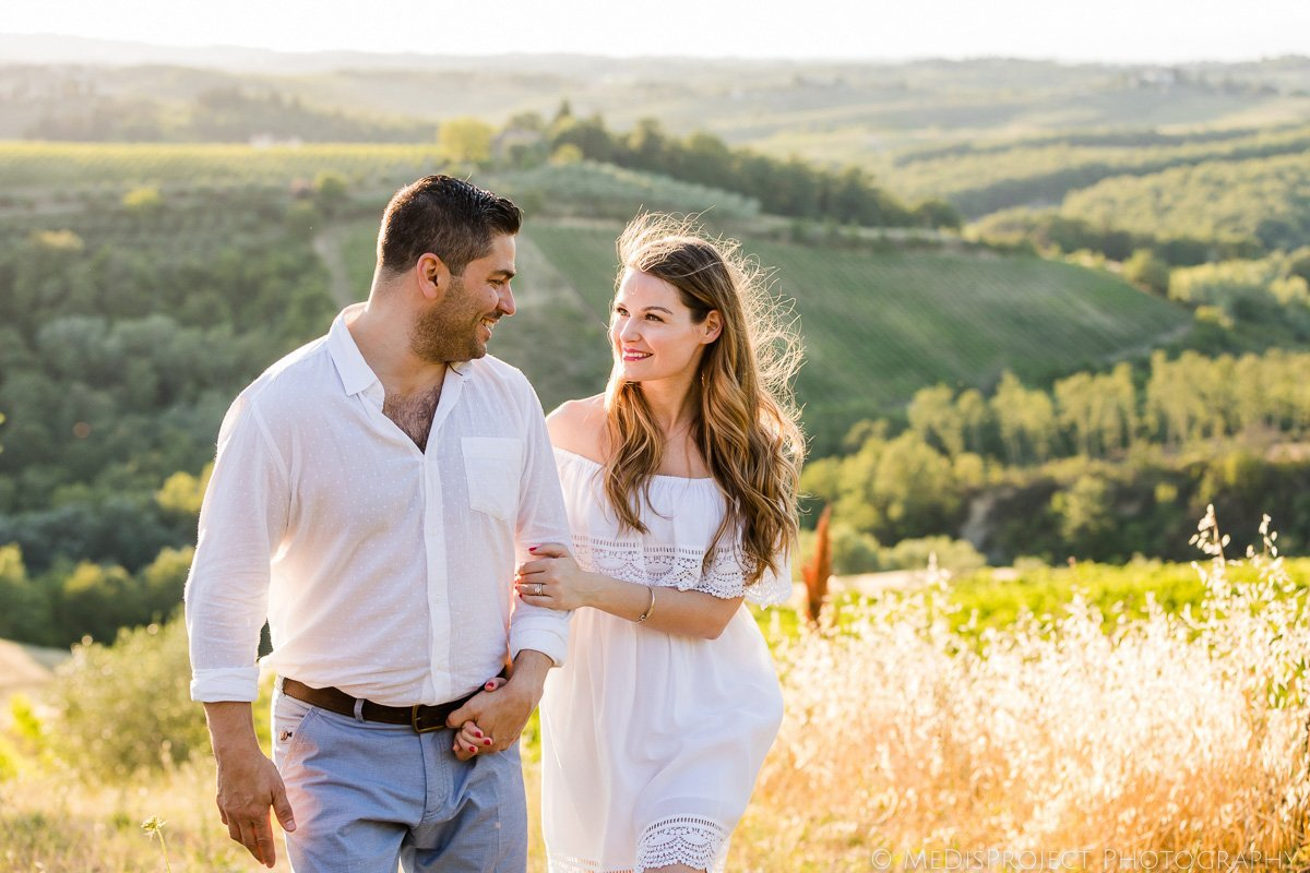 newly married couple in Tuscany
