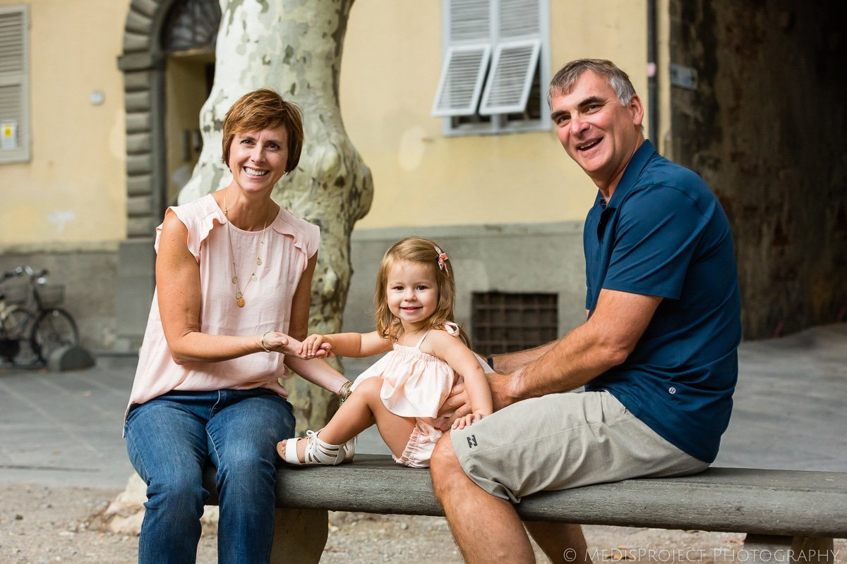 family trip photo sessions in Lucca