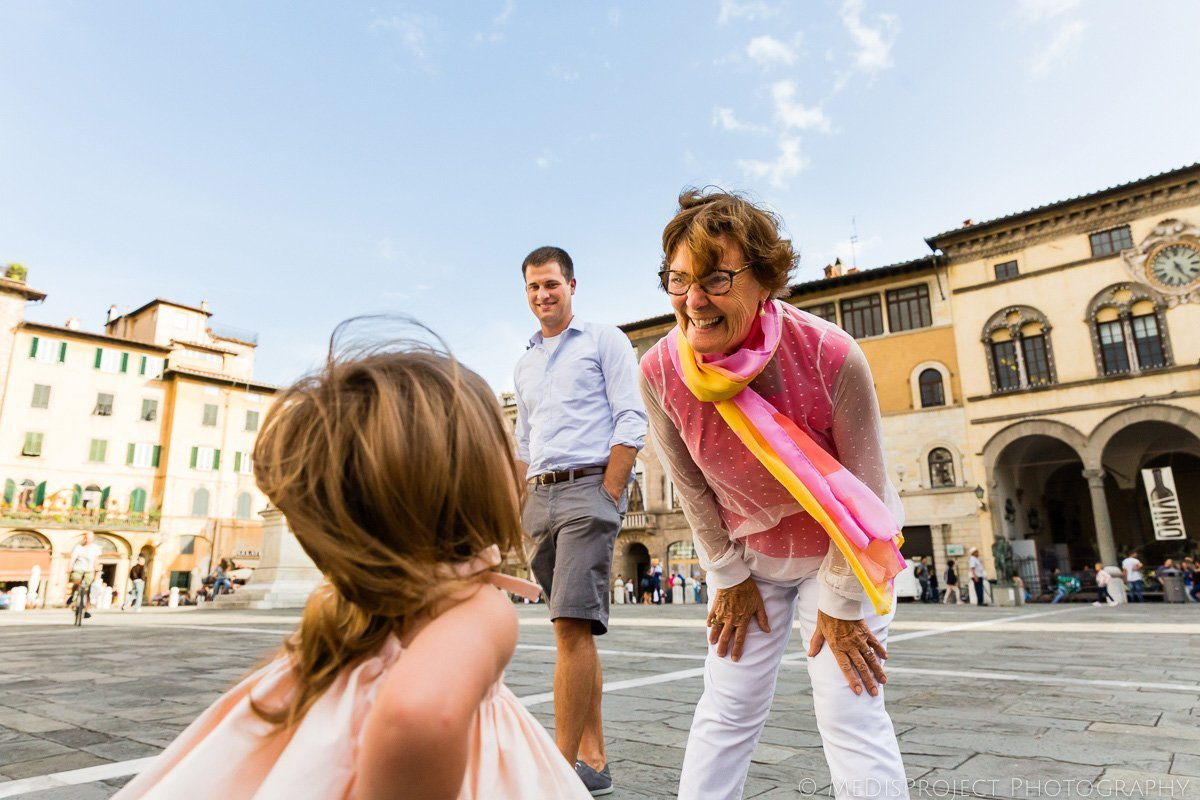 family photographers in Lucca Italy