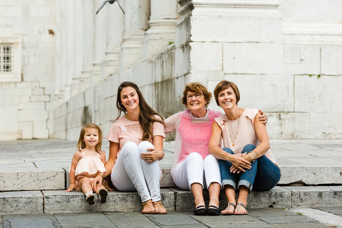 four generations of women in Italy