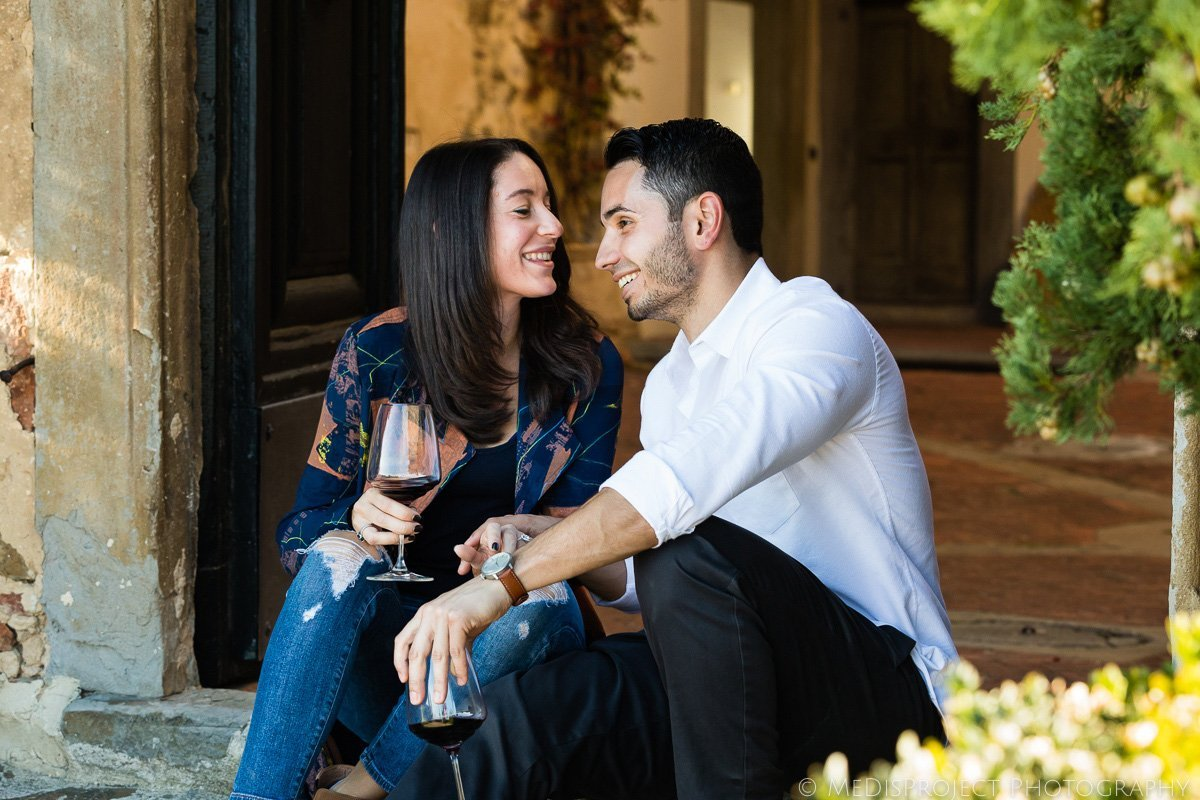 wine tasting in tuscany for couples