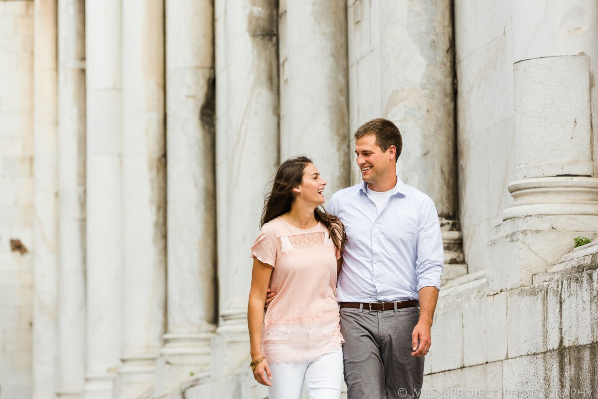 couple photos vacationing in Italy