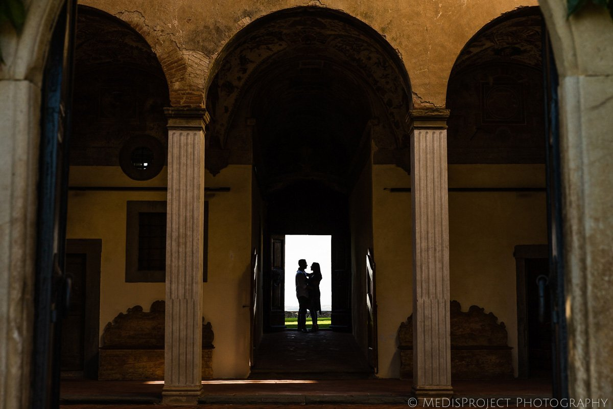 romantic photo session at the Paneretta Castle in Chianti