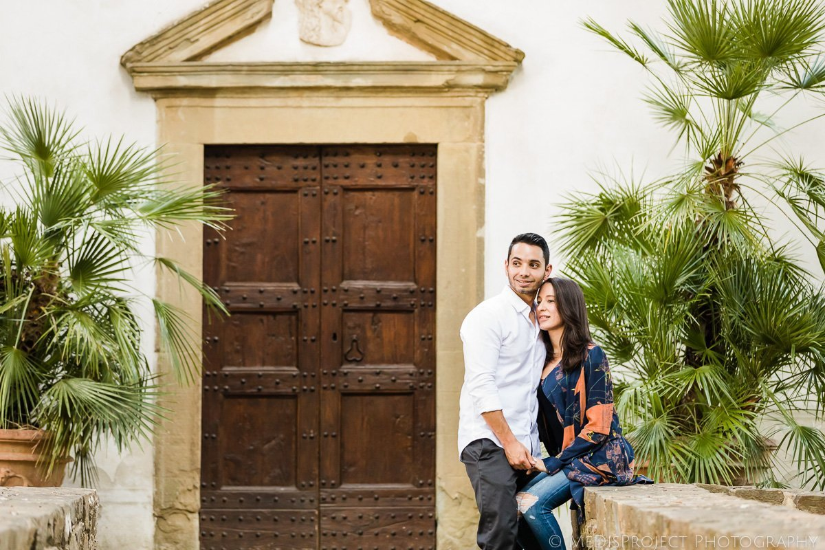 love story photo session at the Paneretta Castle in Chianti