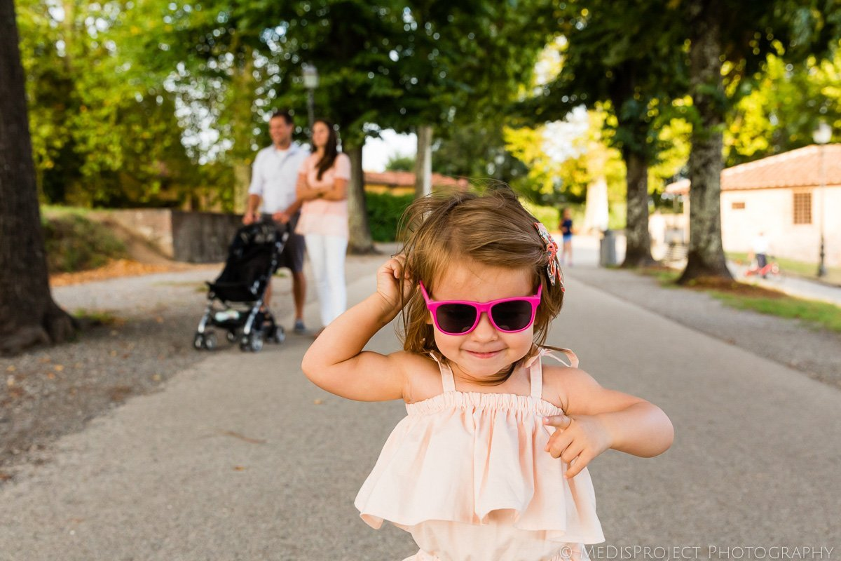 funny photo session in Lucca Italy