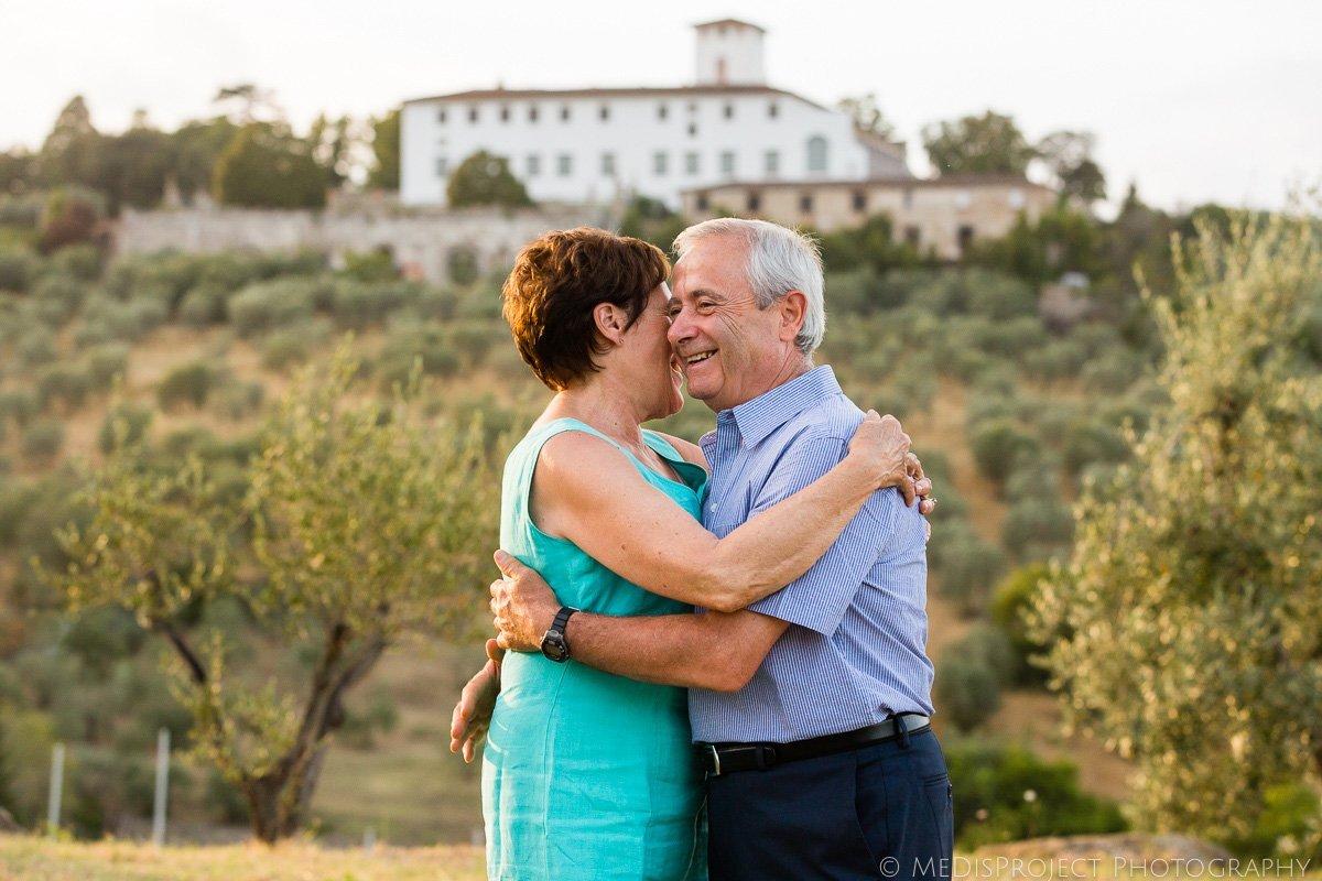 anniversary photo session in Villa Corsini Florence