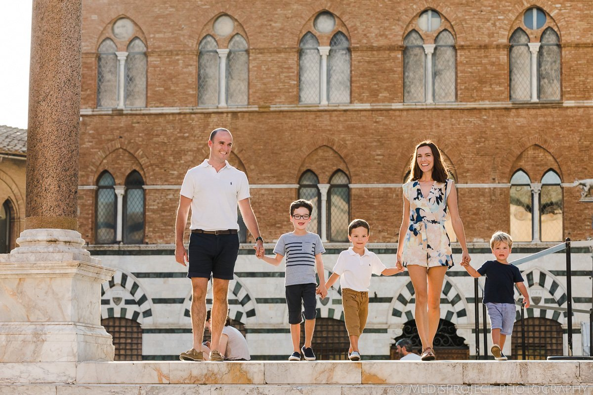 family photo session in Siena Tuscany