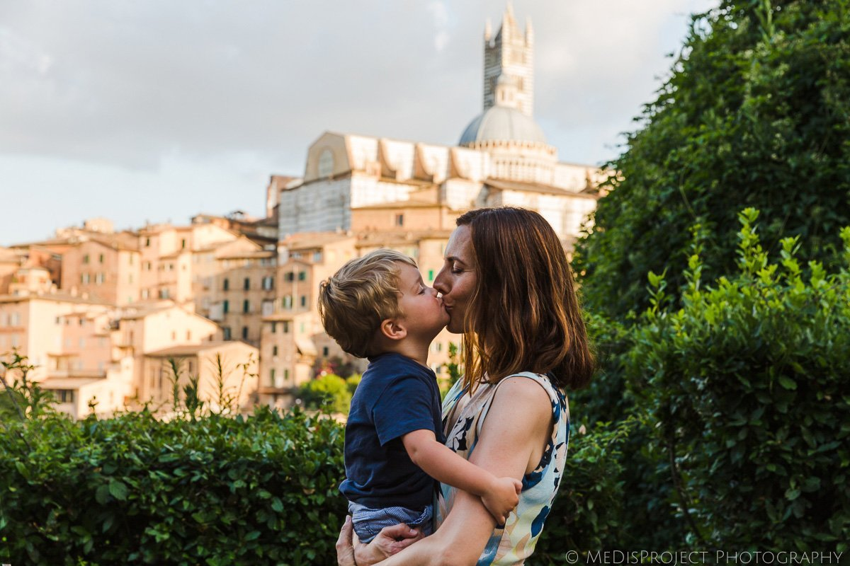 mother and son in Siena