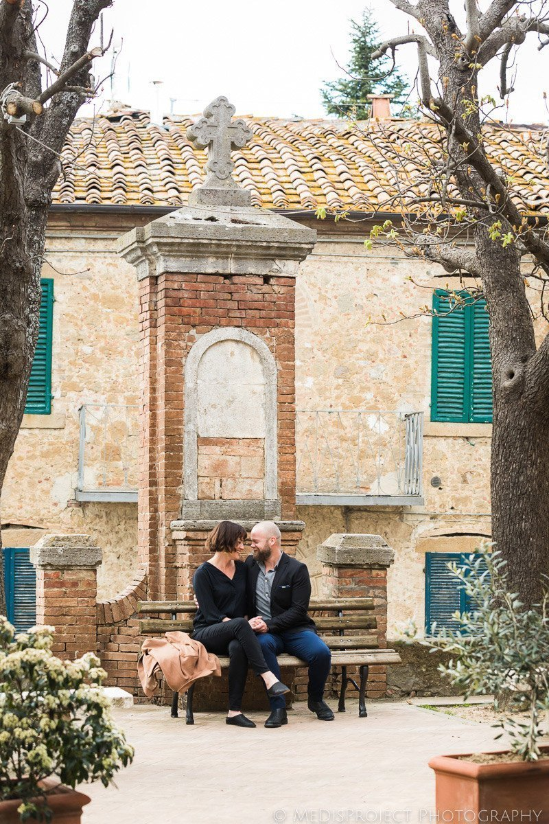 romantic old style photos in Tuscany